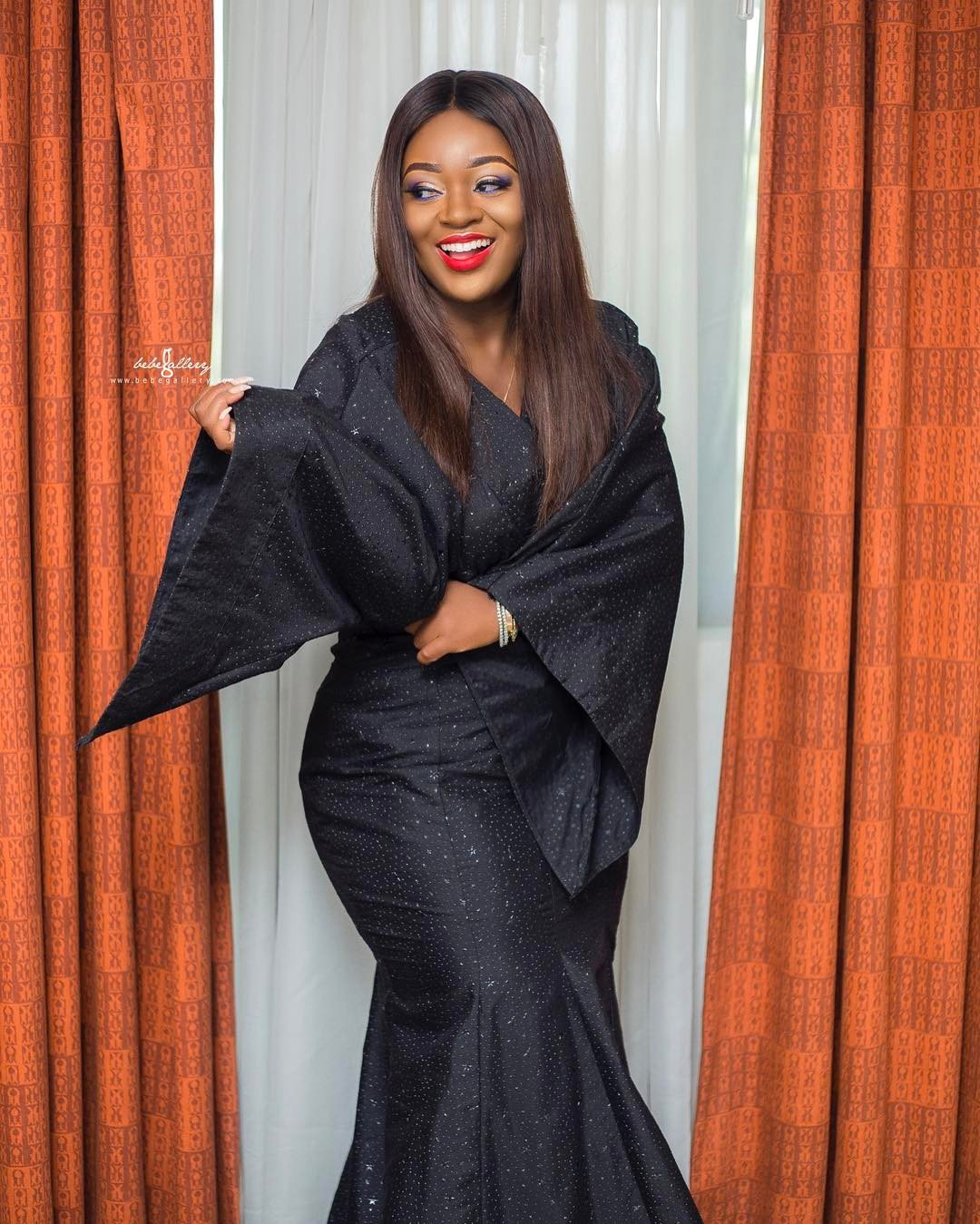 Jackie Appiah Dazzles In An All Black Ghanaian 'Slit And Kaba'