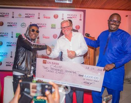 (Photos) Shatta Wale Finally Receives Dodge Charger And Cash Prize For Emerging Winner Of 2017 PC Awards