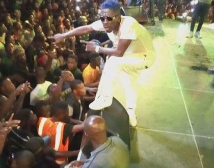 Watch Shatta Wale's Electrifying Performance At The Zylofon Aflao Concert [Photos+Video]