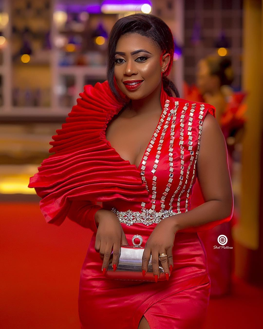 How Selly Ghally Painted 2018 Miss Universe Ghana Grande Finale Red(PHOTOS)