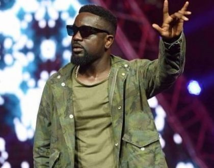 Sarkodie Wins African Male Artist Of The Year At Nigeria Entertainment Awards 2018