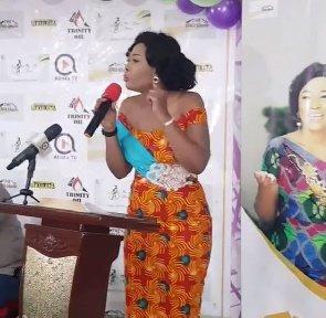 My Mum Single Handedly Raised All 9 Children – Former GMB Queen, Abena Breaks Down In Tears