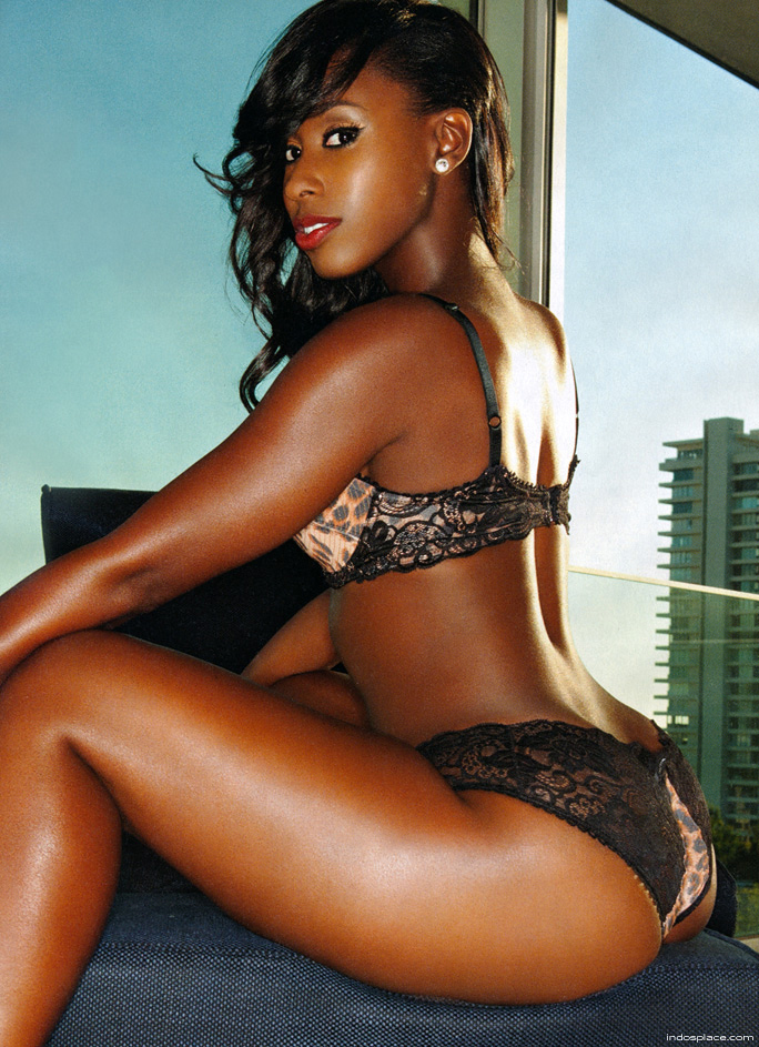 Hot sexy naked black women