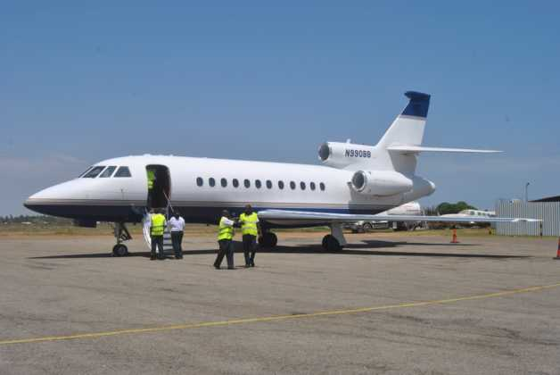 flavio-briatore-private-jet-touches-down-in-kenya