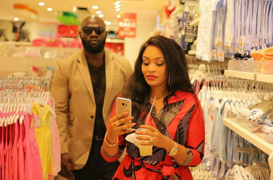 Zari's bodyguard rollling with a body guard