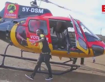 Bahati touches down in Kayole aboard Jubilee helicopter to campaign for Embakasi East aspirant (Photos)