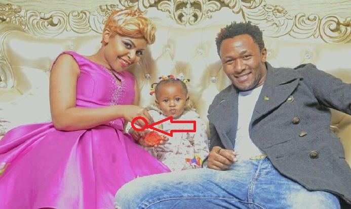 Size 8 forced to explain why she no longer wears her wedding ring