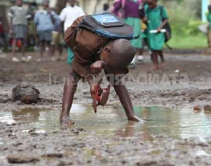 Mothers express pain as the reality of water situation in public primary school dawn on them (Photos)