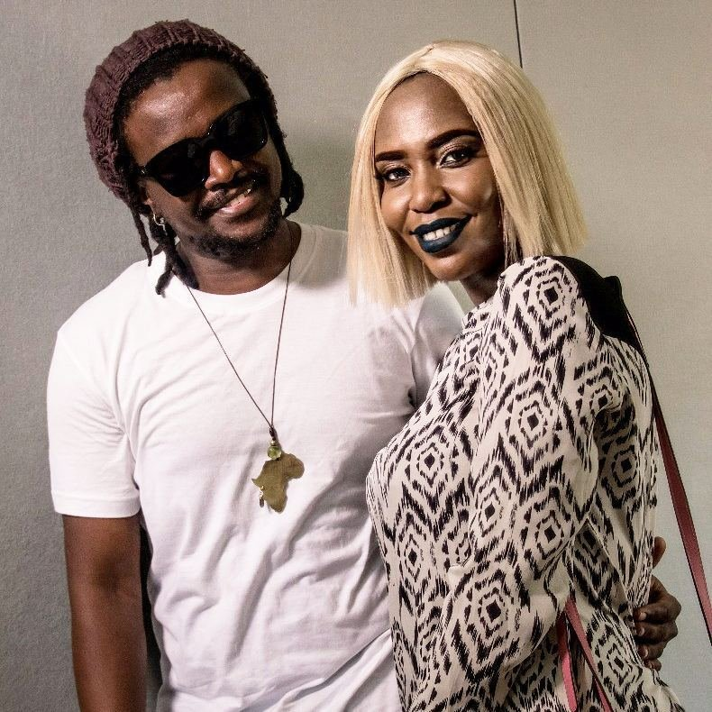 Hit or a miss? Singer Dela modifies her white 'sisal-like' wig to this new look (Photos)