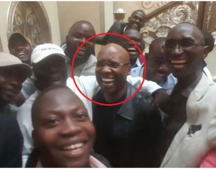 Jimmy Wanjigi resurfaces from his strong room as police finally leave his compound (Photos)