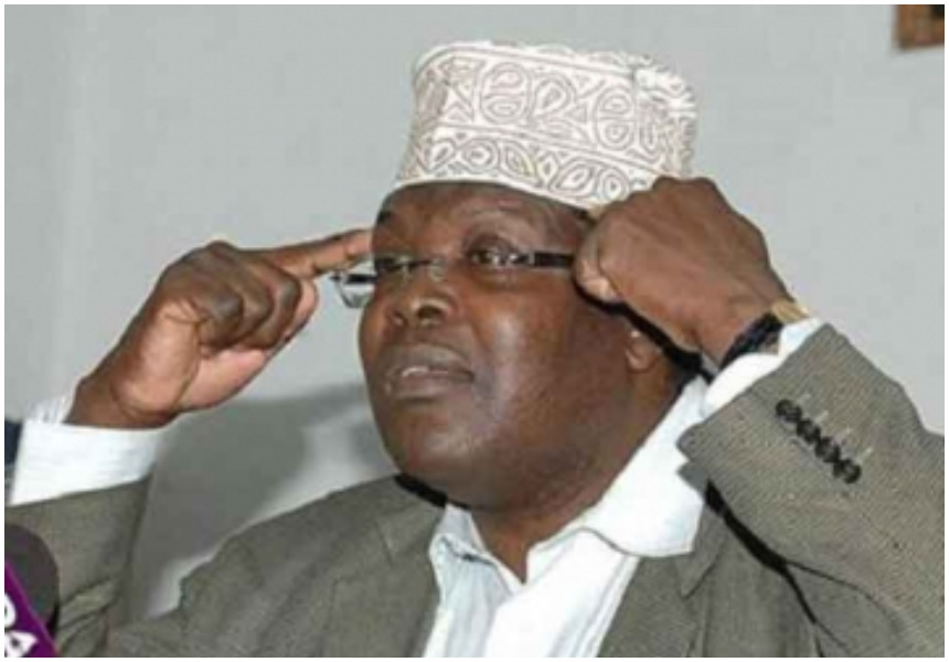 """I love your hands Migush"" Lady gets rude shock from Miguna Miguna after she makes romantic advances to him"