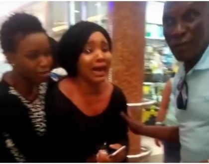 """""""But am already married"""" Woman cries bitterly at a mall after her boyfriend rejects her marriage proposal"""