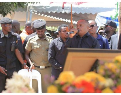 Jaguar and Chipukeezy represent Kenyan celebrities at Mowzey Radio's funeral (Photos)
