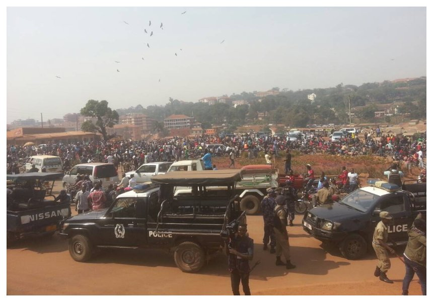 Police having difficult time blocking thousands of fans from accessing mortuary where Mowzey Radio's body lies (Photos)