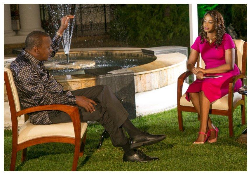 Uhuru Kenyatta consoles Citizen TV's Kanze Dena following the death of her father