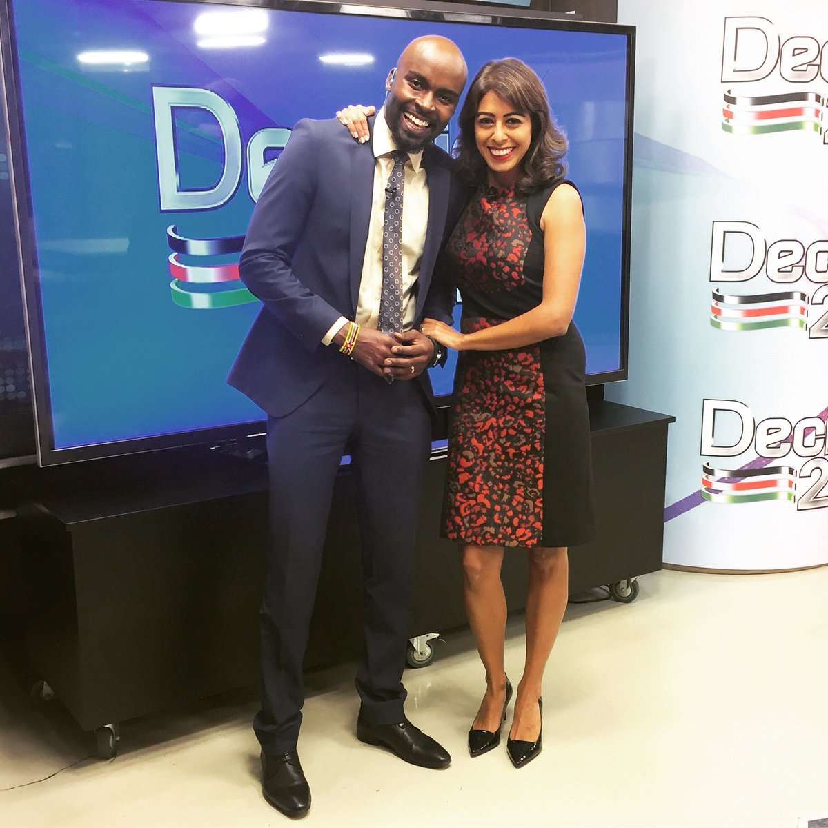 Seasons of blessings!! Yet another top news anchor is pregnant, shares photos of baby shower