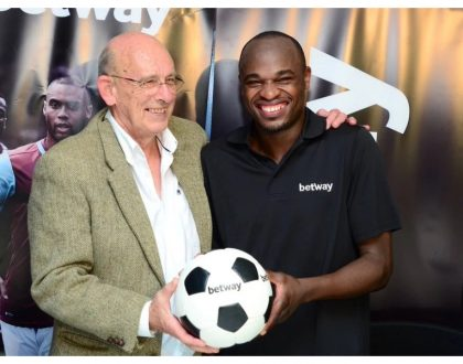 Dennis Oliech all set to make millions as South African club offers to sign him