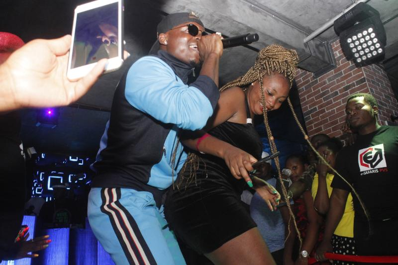 Lady rubs her buttocks against Harmonize's genitals as he performs