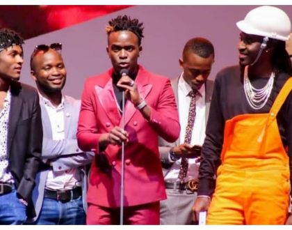 Gospel singerWeezdom jots down message to Willy Paul after losing to him at the Groove Awards