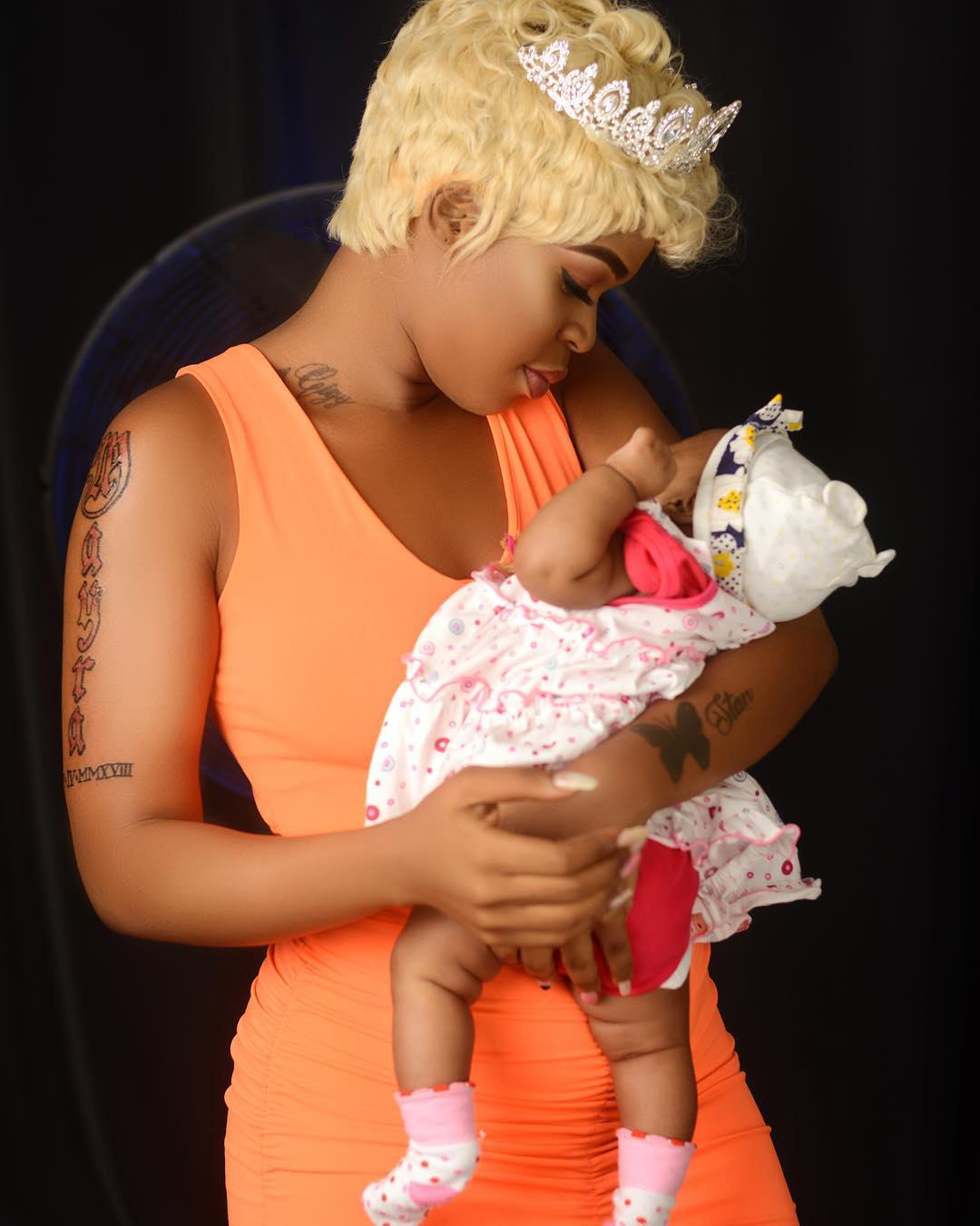Gigy Money with her daughter