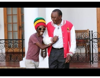 President Uhuru hangs photos of Lulu Hassan, Kanze Dena and Mbusi on the wall at State House (Photos)