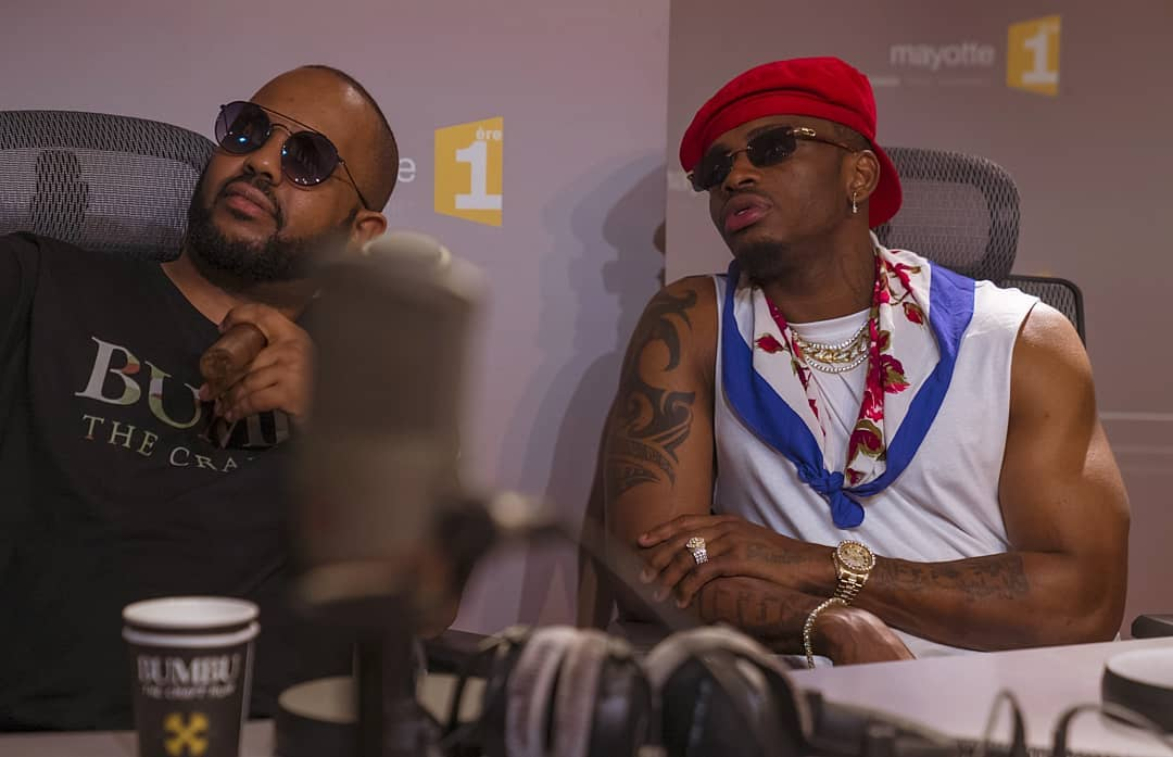 Diamond Platnumz and his manager Sallam SK Mendez during the interview on Mayotte 1ère Radio