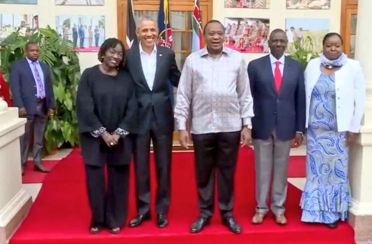 Alambe Lolo ama Ameze mate wakikula nyama! Sonko trolled for spoiling Obama's photo