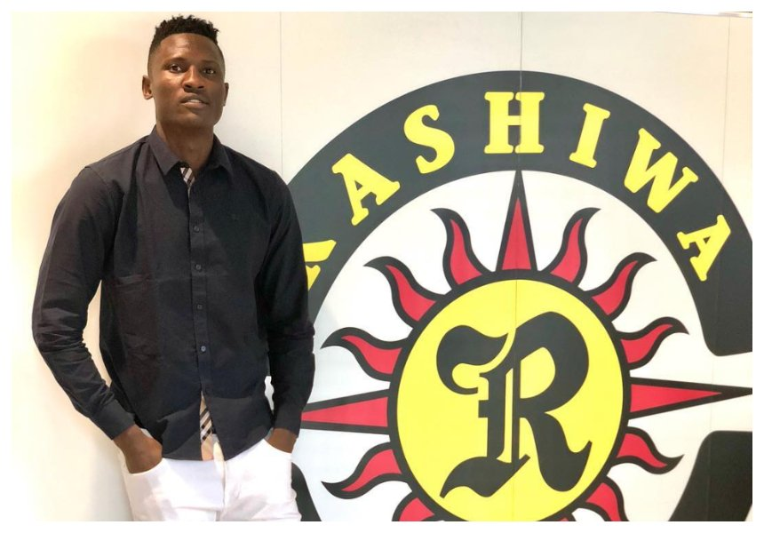 It's raining money! Michael Olunga's face glows after signing a deal that will see him earn Kes 15 million a month (Photos)