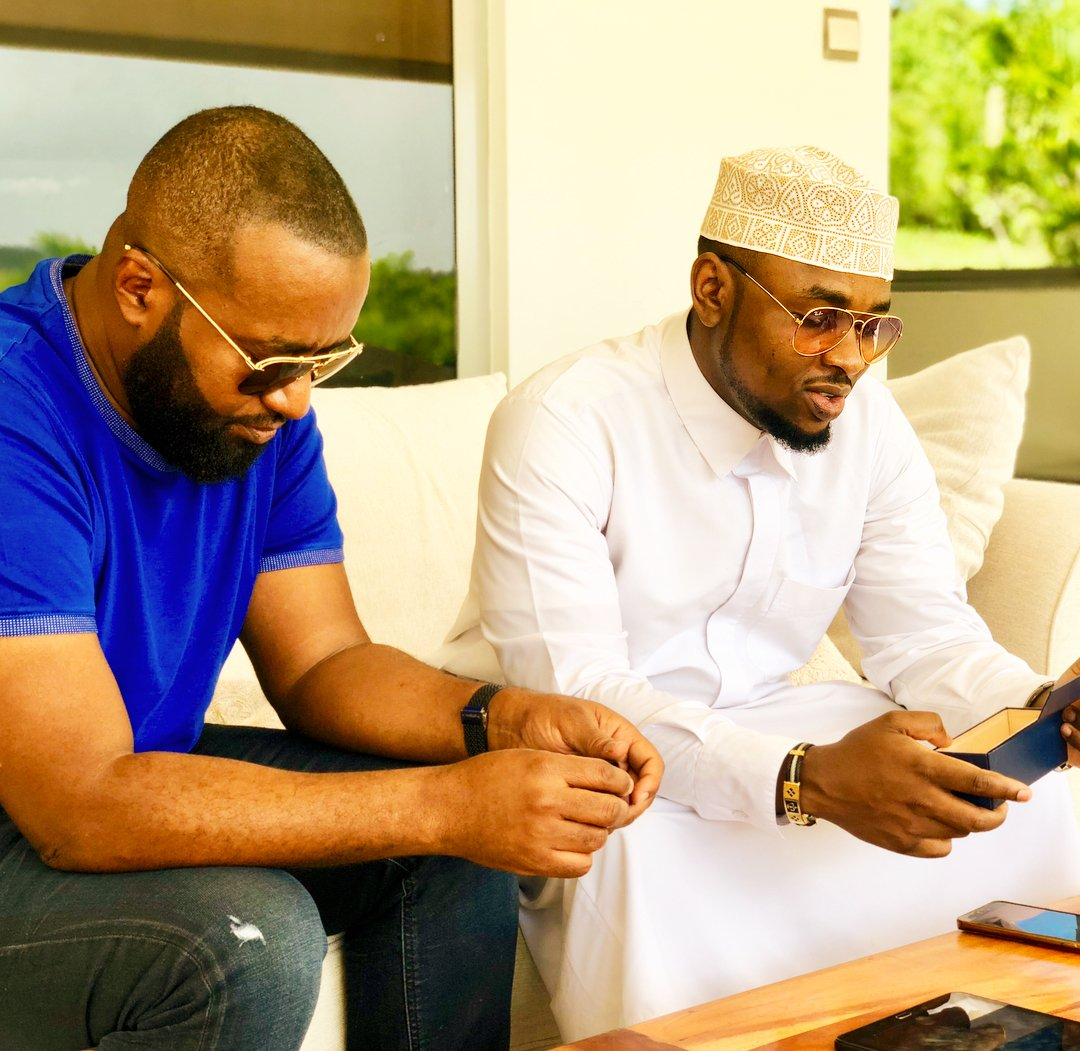 Hassan Joho and Ommy Dimpoz