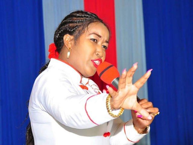Mashakura! Renown female City pastor trolled for boiling sausage