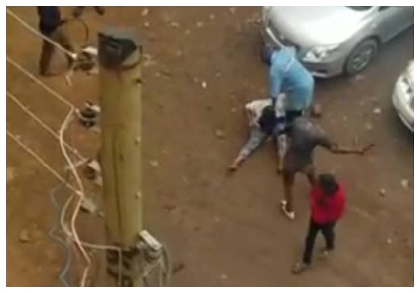 Angry mob mercilessly beat up pretty female thief who laced man's drink with 'mchele' (Video)