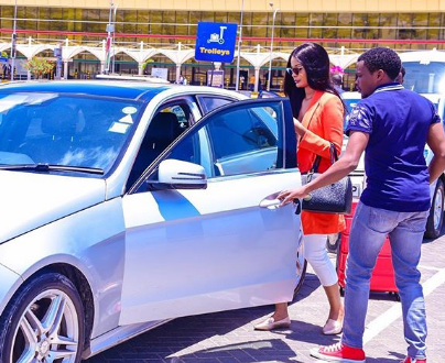 Photos: Chipukeezy receives Hamisa Mobetto at the airport, explains her witchcraft saga
