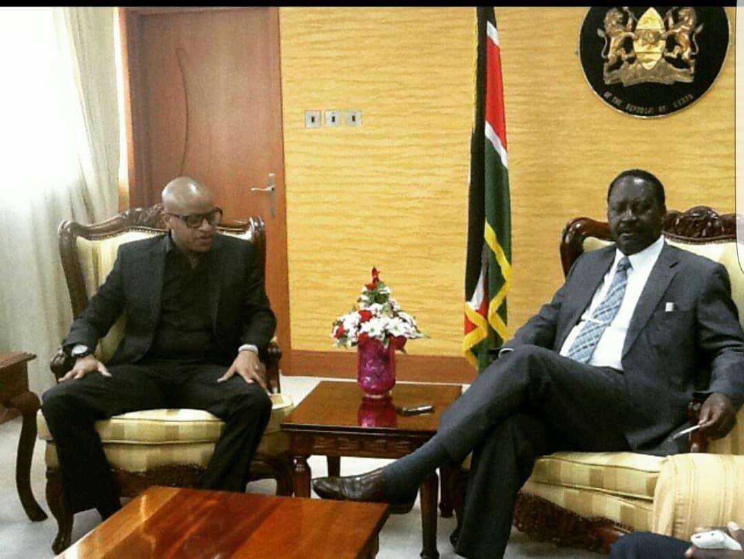 """No politics, it's was for the good of Kibera residents"" Prezzo explains meeting with Raila Odinga"