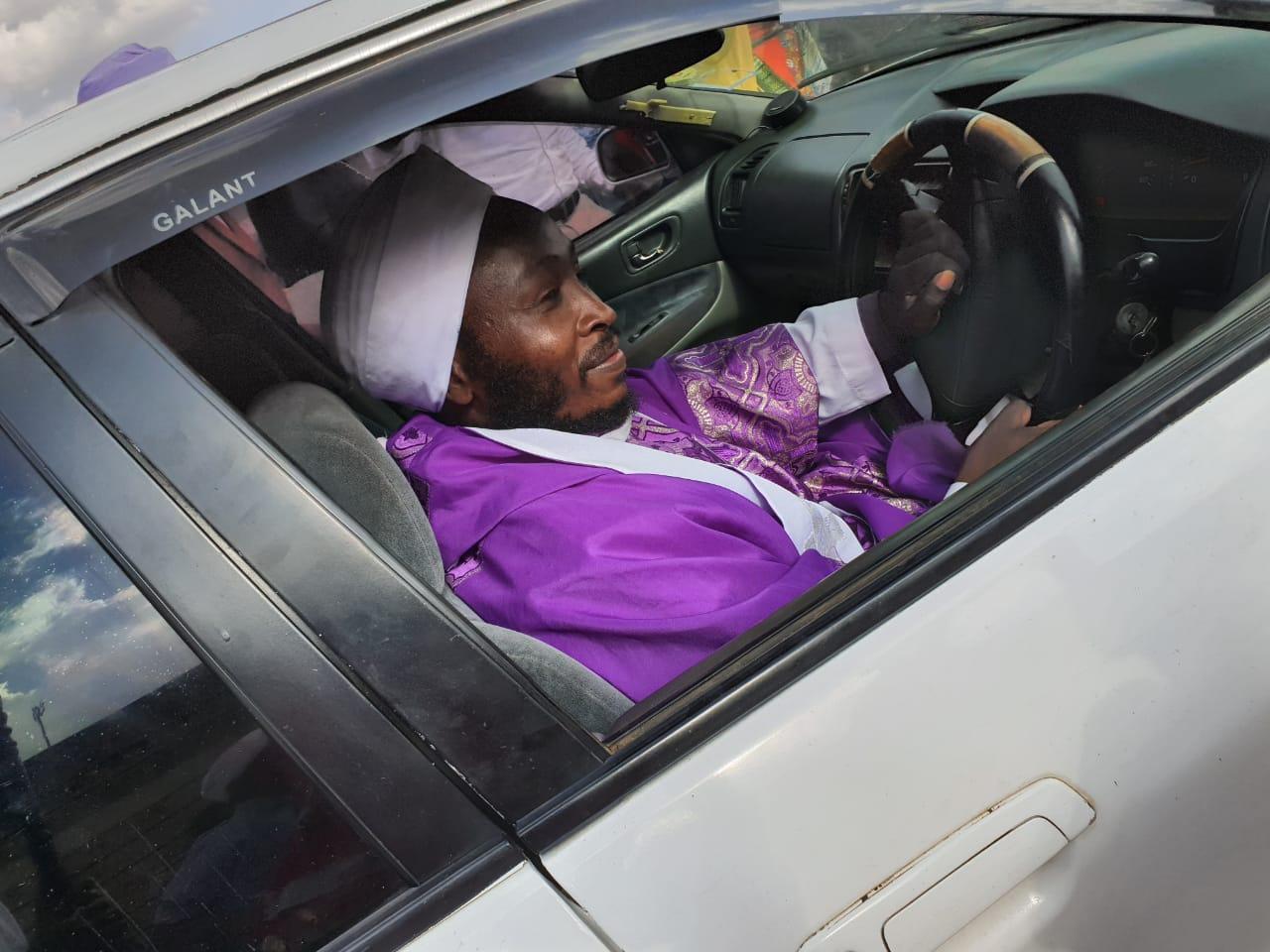 Kiambu chief whip Njoroge Kururia instantly gifts Mukurino bishop a car after he complained of lacking fare (Photos)
