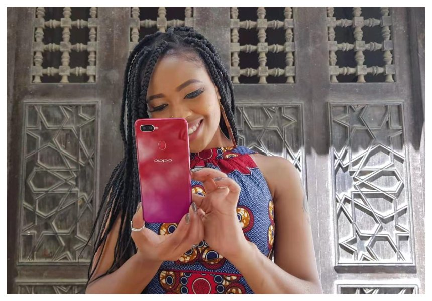 Even celebs! This is why taking selfies with OPPO F9 is the latest craze in town