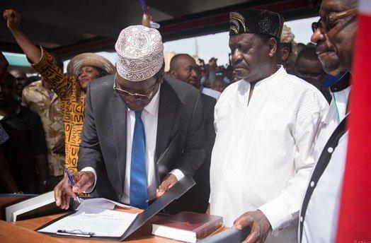 Miguna Miguna insults Kenyans who poked fun at him after Raila Odinga blocked him