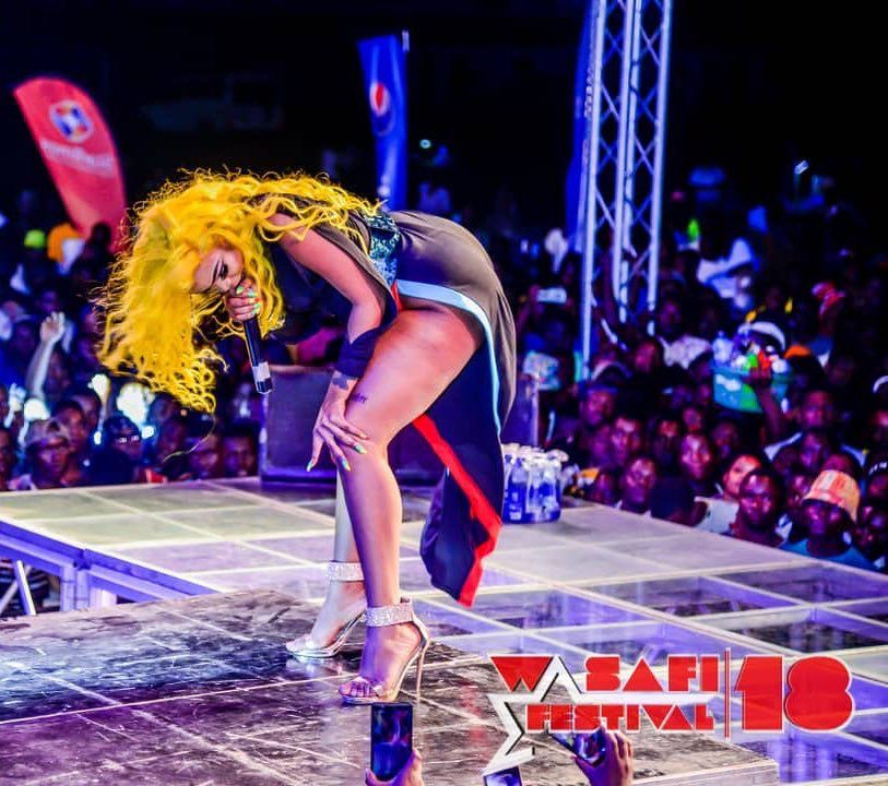 Gigy Money twerking on stage during Wasafi Festival in Morogoro on December 2nd 2018