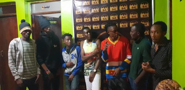 Pinye, see this! Lamba Lolo crew hit the studio with popular Nigerian artist after he praised their work(photos)