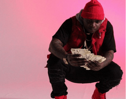 Kula pesa yako peke yako boss! Khaligraph angers fans for flaunting money on social media
