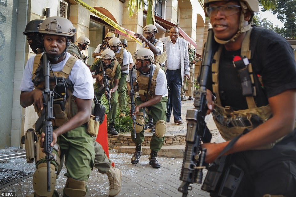 Members of the Kenyan special forces prepare to launch an attack against the terrorists at DusitD2 hotel