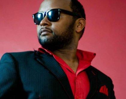 He is not poor! Gospel singer Mbuvi flaunts cash and spurs mixed reactions online