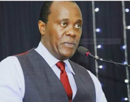 SMOKING! ¨It´s looong overdue that Africans gave women the mantle¨ Jeff Koinange reveals his solid respect for his widow mother and beyond