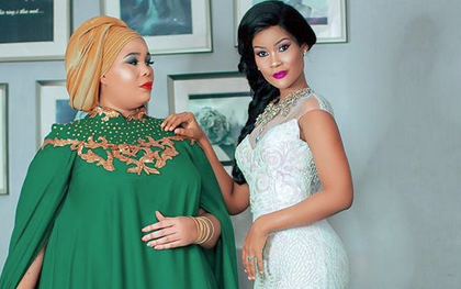 Hamisa Mobetto gifts her mum with a brand new multi million car! (Photos)