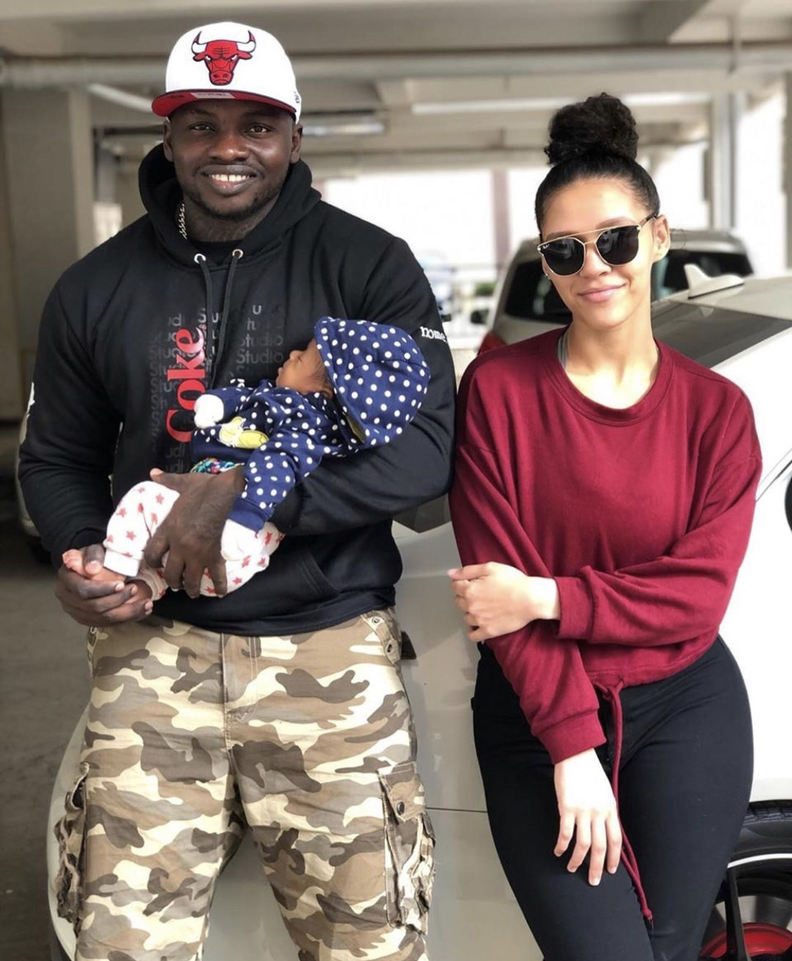 Relationship goals! Khaligragh Jones new amazing photos with his girlfriend and baby girl