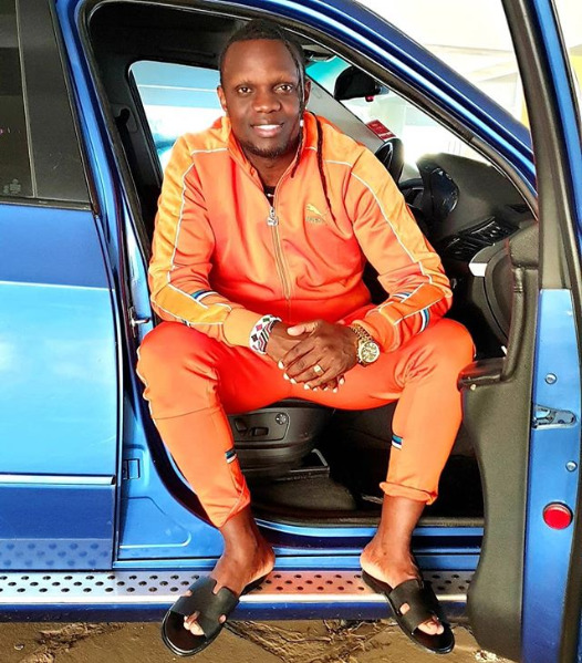 """True rasta no kneel to no man!"" Kenyans call out DJ Kriss Darlin after kneeling before Raila"