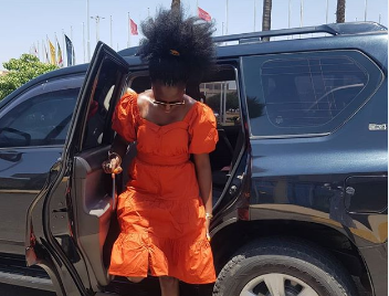 This is how Akothee visited Esther Passaris in hospital(video)