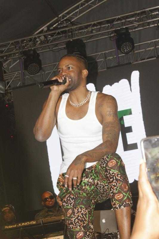 How it all went down! Konshens' raunchy performance that left jaws dropped [videos]