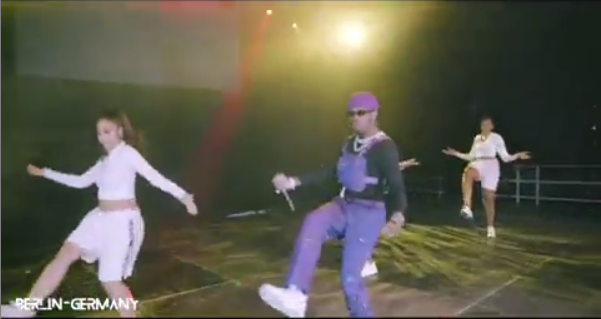 Diamond storms the stage and takes charge of the crowd during his concert in Berlin, Germany [videos]