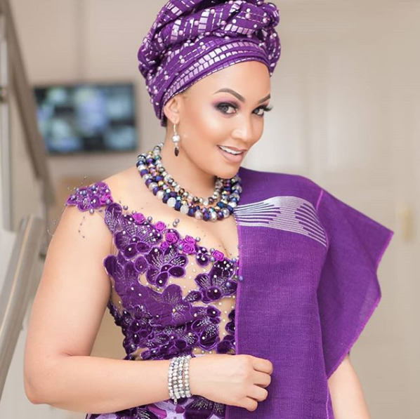 ¨Abeg! At least we can share her nawww¨ Fans tear each other apart over adopting Zari Hassan into Nollywood
