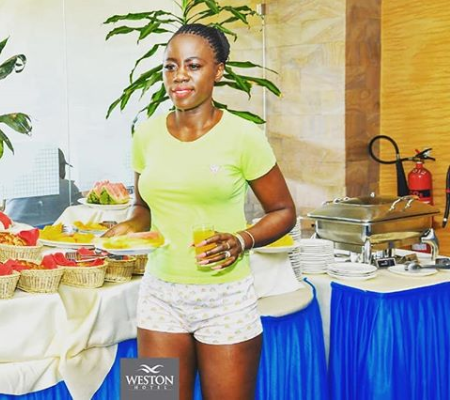 ¨I MISS TO BE SOMEONE´S WIFE, ENJOY IF YOU HAVE A GOOD RELATIONSHIP!¨ Akothee pleads with women